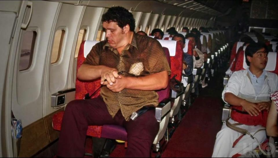 Andre the Giant tog upp två flygplanssäten när han flög